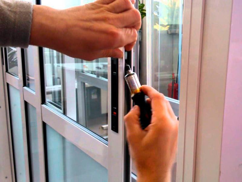 Ремонт балконных дверей в оренбурге от 500 рублей..